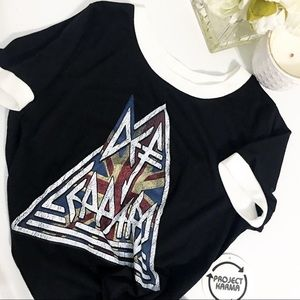 🖤DEF LEPPARD graphic band tee